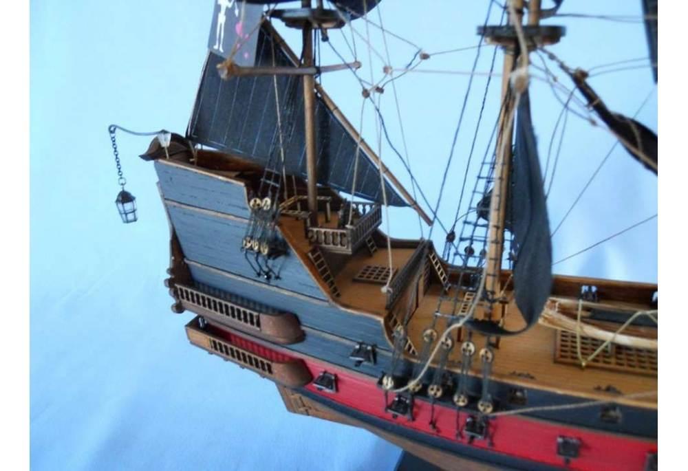 Blackbeards Queen Annes Revenge Pirate Ship Model