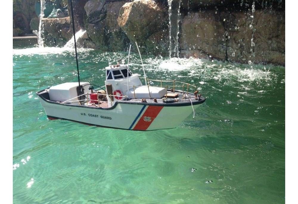 Remote Control USCG Motor Lifeboat Ready To Run