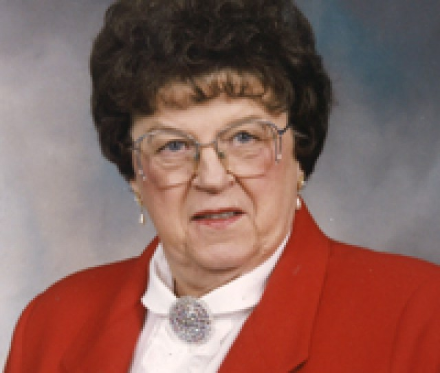 Lorna Earl Of Medicine Hat Passed Away On Tuesday July 11th 2017 At The Age Of 95 Years Lorna Leaves To Cherish Her Memory Two Sons Hal Susan Lust Of