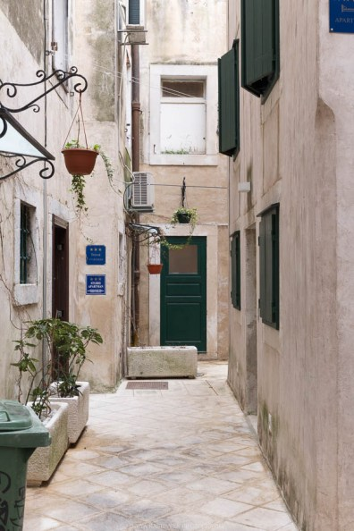 The alleys of Split // Photos and stories from a week in Croatia // Memories from the Balkans // Dubrovnik, Split, and Zagreb