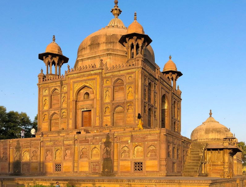 Allahabad's Khusro Bagh, the Taj Mahal you never heard of Mughal architecture in India // gonewithawhim.com