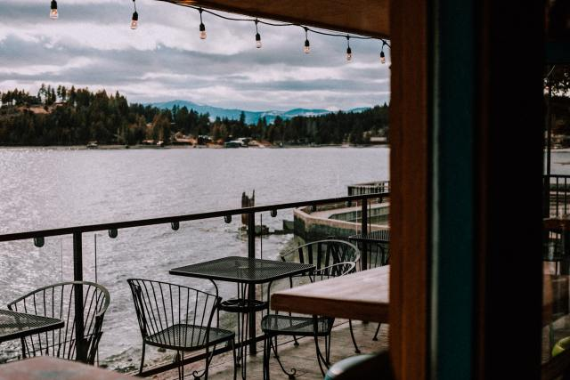restaurant overlooking flathead lake in montana