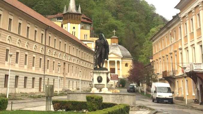 Statuia lui Hercule din Băile Herculane. FOTO Liliana Boioglu
