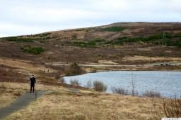 Vífilsstaðavatn, oft margir á ferð við vatnið