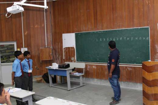 Explaining the rules of the game to the players (Photo : Debashish Dash, PhD scholar, NIT Silchar)