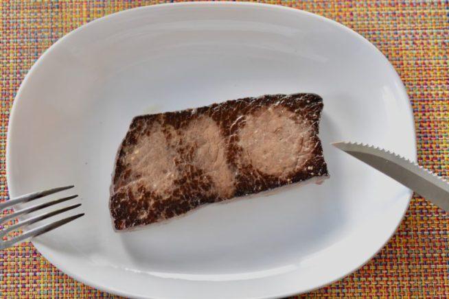 ミンククジラのステーキ