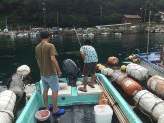 釣りをする子ども