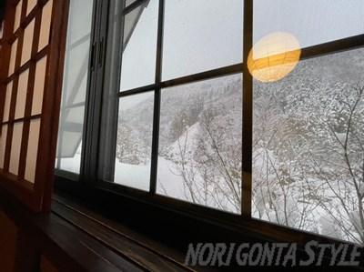 朧から見る雪景色