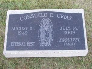 Placa de pidra con base de concreto imagen gravada de la Virgen de Guadalupe