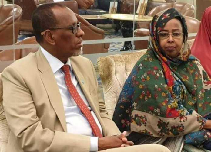 """Dhageyso: Safiirka Somalia ee Qatar: """"Yariisow weli ICU-da ayuu ku jiraa, Firir ayaana Calooshiisa laga bixiyey.."""""""