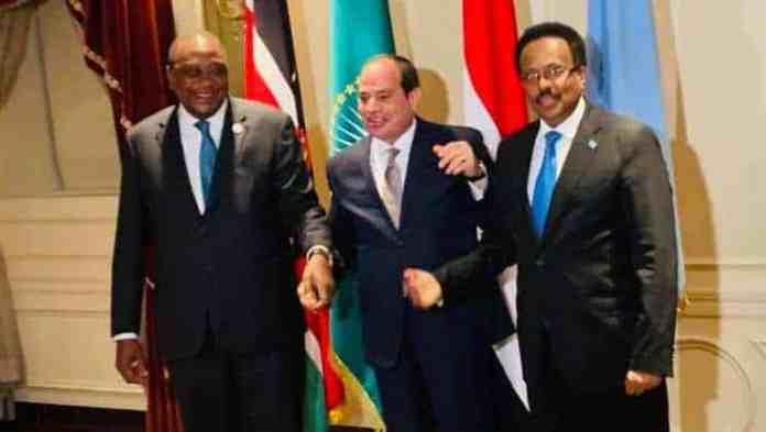 Madaxweynaha Masar oo Heshiis ka dhex dhaliyey Madaxweynayaasha Somalia iyo Kenya [Kiiskii Badda oo…]