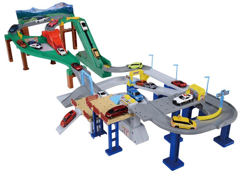 Takara Tomy & Tomica Toys Car World