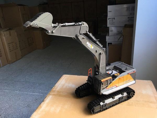VOLVO EC950EL Remote Control Excavator, 1/14 RC Excavator, Toy Engineering Vehicle, Scale Model Construction Vehicle, Dredging Sand Works