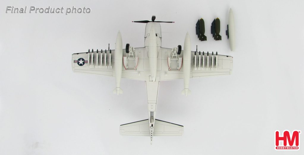 "Hobby Master Collector 1/72 Air Power HA2912 Douglas A-1H Skyraider BuNo 134569, VA-52 ""Knight Riders"" USS Ticonderoga, summer 1967. United States Navy Douglas A-1 Skyraider Attack aircraft (Military Airplanes Diecast Model, Pre built Aircraft Scale Model)"