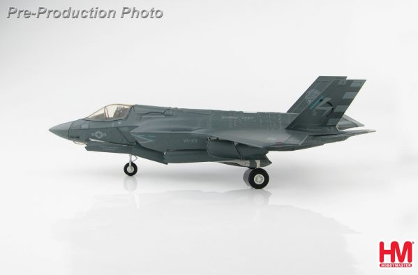 Hobby Master Collector 1/72 Air Power HA4608 U.S. Marine Corps Lockheed Martin F-35 Lightning II Stealth Multirole Combat Fighter, F-35B Short Take-Off and Vertical-Landing (STOVL), BF-05, Cdr. Nathan Gray, HMS Queen Elizabeth, 2018 (Military Airplanes Diecast Model, Pre built Aircraft Scale Model)