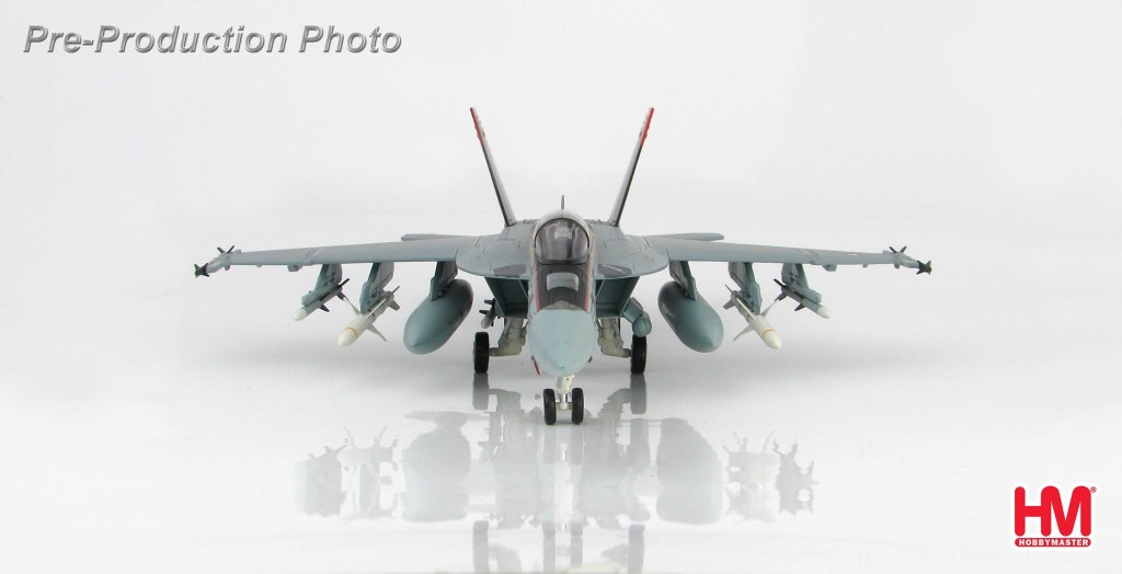 """Hobby Master Collector 1/72 Air Power HA5107 McDonnell Douglas F/A-18E 166776, VFA-31, Dec 2008 """"Santa CAG"""". United States Navy Boeing F/A-18E Super Hornet Carrier-based multirole fighter (Military Airplanes Diecast Model, Pre built Aircraft Scale Model)"""