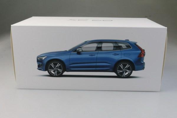 Petzlife Toys & Hobbies gift 1:18 new Volvo XC60 Blue color diecast model