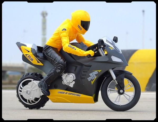 1 6 Scale Upriser Ducati Authentic Panigale V4 S Remote Control Motorcycle RC Stunt Bike Wheelies Yamaha bikes ktm High-Speed Drifts RC bicycle honda RC Motorbike