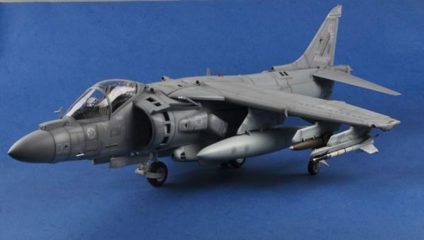 Merit International No. 60027 USMC AV-8B Harrier II Completed (Already Assembled) 1:18 Scale Model, (HOBBY BOSS AIRCRAFT 81804 Plastic Scale Model Kits McDonnell-Douglas AV-8B Harrier II Jet Fighter Aircraft Airplane Finished Model)