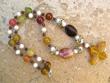 3_Jade_Pearl_necklace