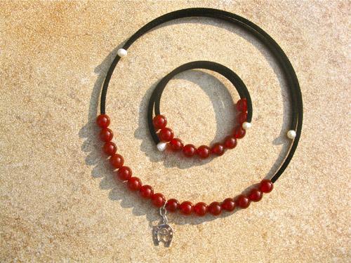 Horseshoe Indalo carnelian jewellery