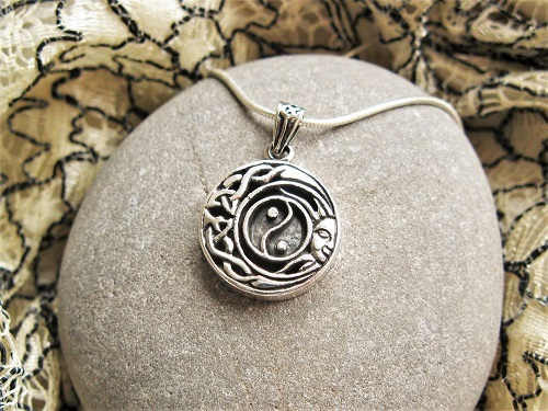 Celtic Yin Yang friendship