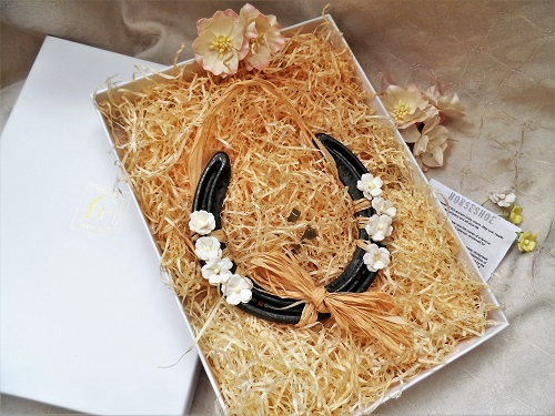 Lucky Horseshoe gift box