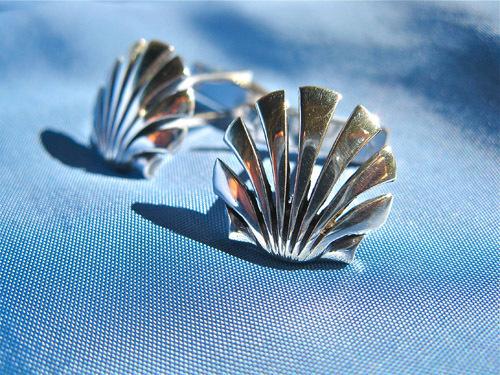 Scallop shell cufflinks silver