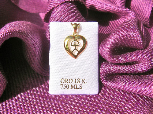 Gold Indalo heart pendant