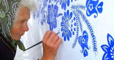 Every Year, This 90-Year-Old Czech Grandma Paints Houses In Her Small Village
