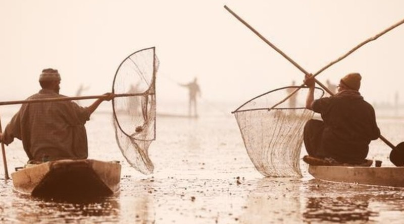 These Indian Fishermen Take Plastic Out Of The Sea And Use It To Build Roads