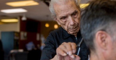Meet world's oldest barber at 107 — and still cutting hair full time