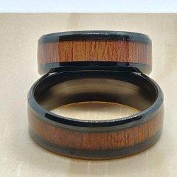 zwart-staal-en-hout-ring