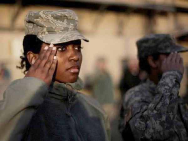 black-female-soldier-saluting-2012-wide
