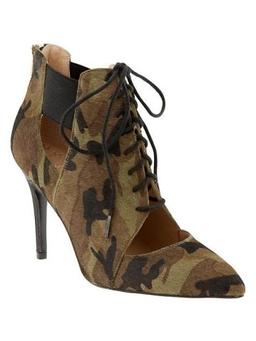 Daphne Lace-Up Bootie - Banana Republic
