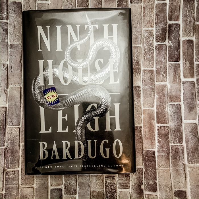 Ninth House by Leigh Bardugo is absolutely different from her Grisha books and that's alright. I think you need to walk into this book with your eyes wide open and your expectations adjusted.