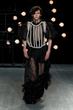 BLINDNESS SS19 Runway Image (22)