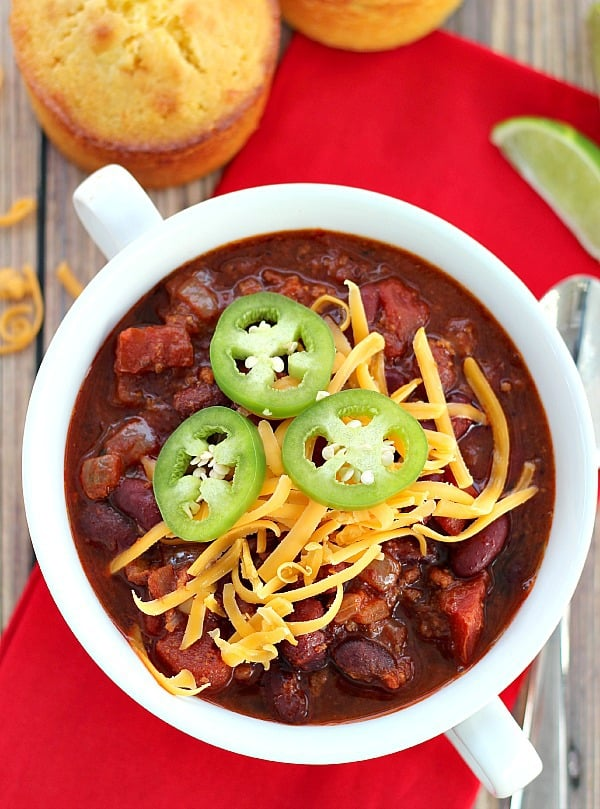 Turkey Chili In the Slow Cooker is classic meat and bean chili flavor with lightened up ground turkey in place of the beef.