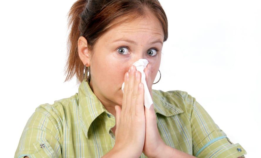 Как чихать по этикету