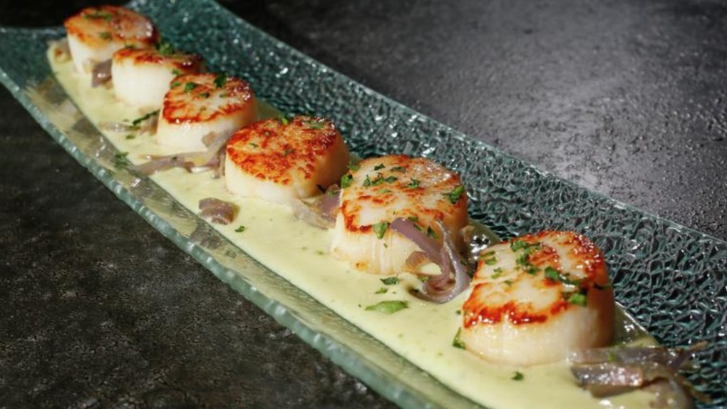 Caramelized Sea Scallops with Basil Cream Pesto & Caramelized Red Onions