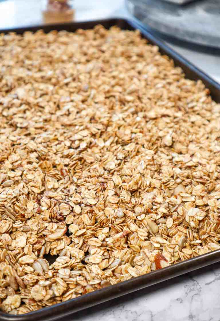 granola with honey and almonds