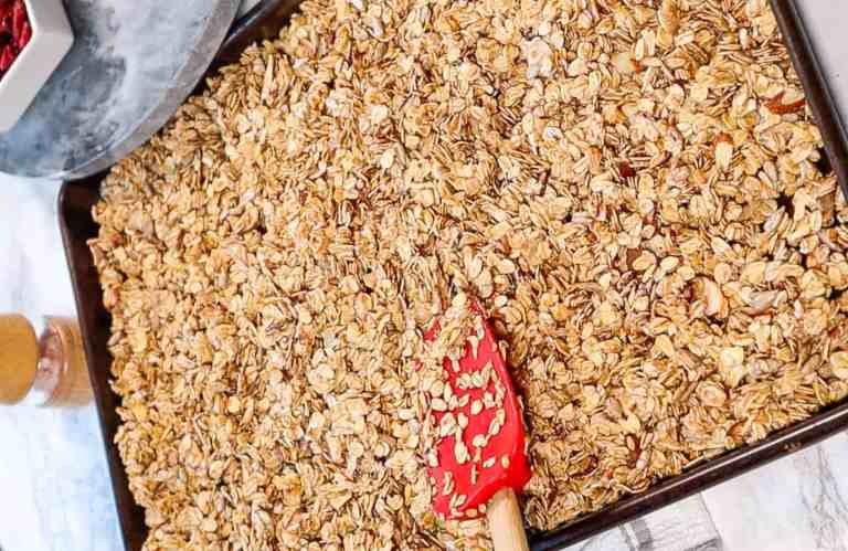 granola with honey to bake