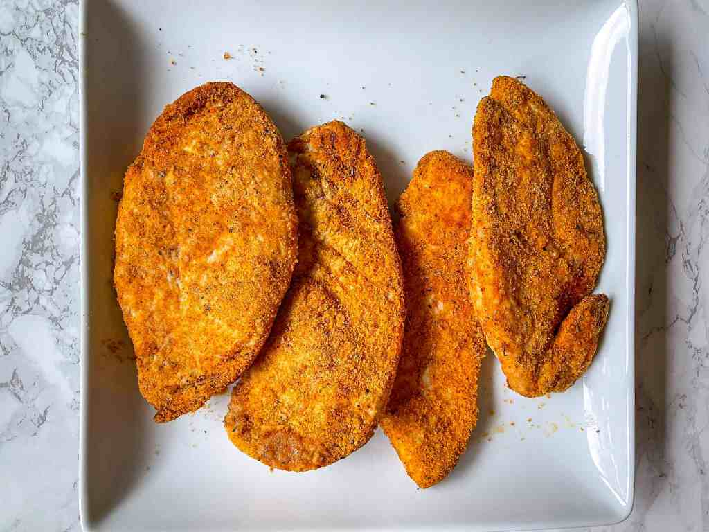 4 Cooked Crispy Chicken Breasts