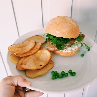 Marley Spoon's Fish burger with pea ailoi