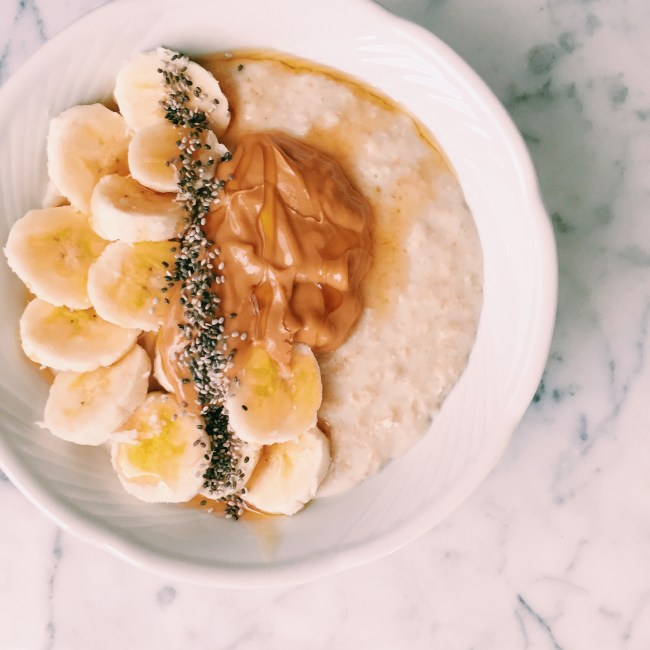 Peanut Butter, banana and honey oats