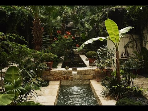 Spanish Courtyard Garden In San Antonio