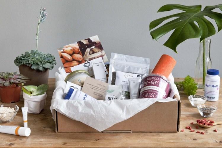 De allereerste Healthbox-Body Fit Kokosolie- Dr Hauschka Gekleurde Dagcrème-GoodGirlsCompany