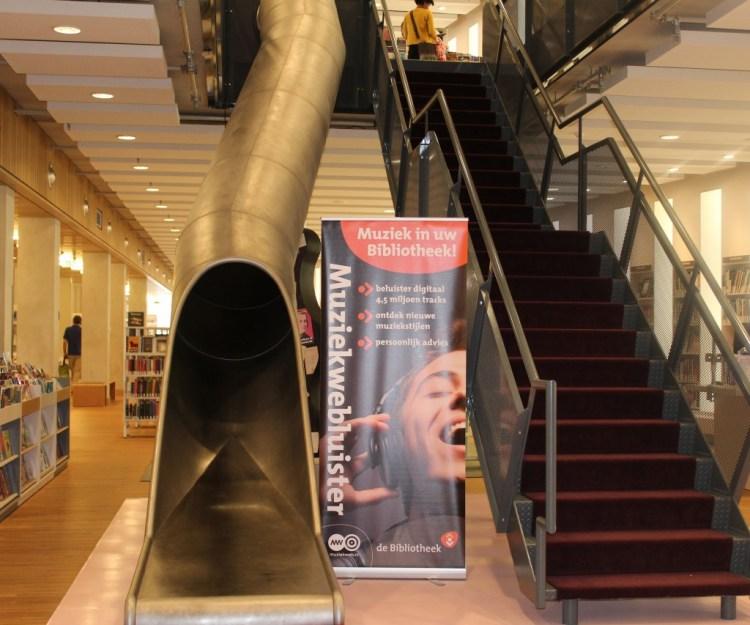 MamaChallenge2015-Rozet-GoodGirlsCompany-bibliotheek Arnhem-de Rozet-glijbaan