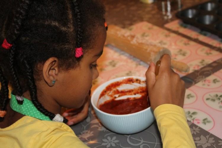 Pizza cupcakes maken-tomaten saus-recept-GoodGirlsCompany