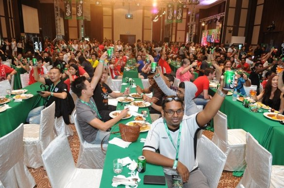 300 fans toasting to Carlsberg's 'Ultimate Football Retreat'.
